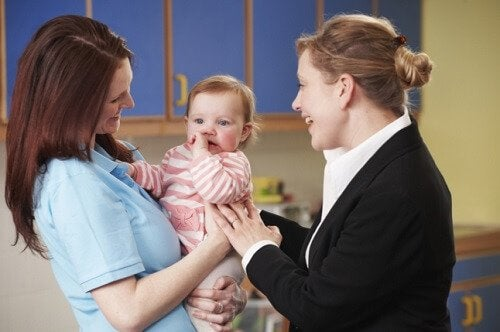 Dejen sus hijos al cuidado de personas capacitadas