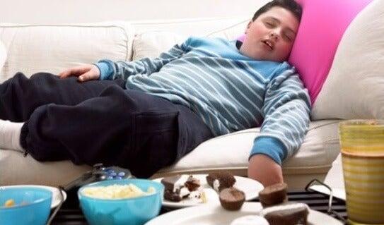 Mi hijo tiene sobrepeso, ¿cómo lo ayudo?
