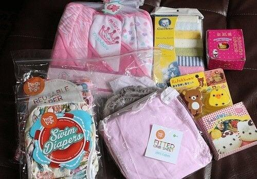 Prepara artículos de cuidado básico y aseo para tu bebé