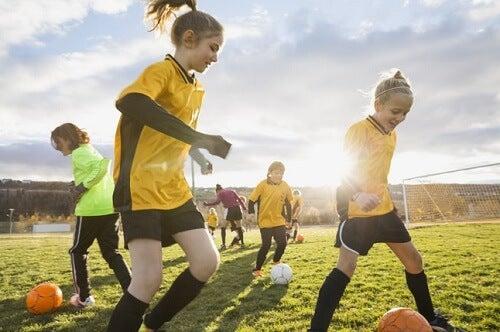 Es necesario que los niños practiquen deporte.