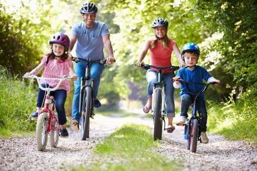 Aprender cómo evitar los accidentes de tráfico con niños es fundamental para los padres.