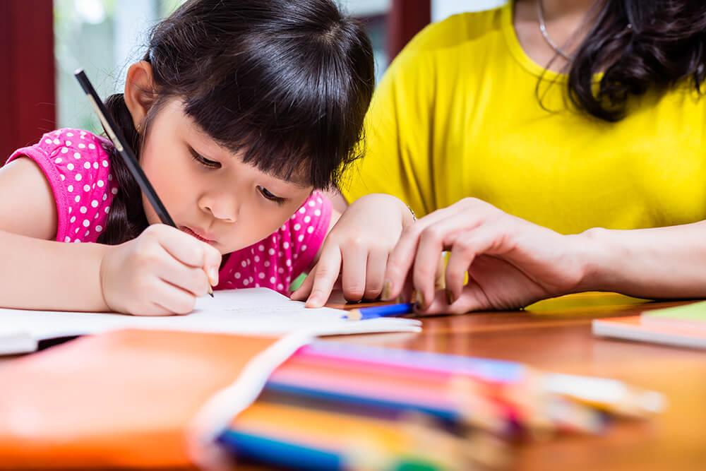 Mejorar la letra de tu hijo depende de ti: 5 claves para ayudarlo