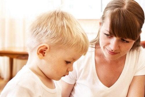 ¿Cómo hacer para que mi hijo pierda la vergüenza a hablar en público?
