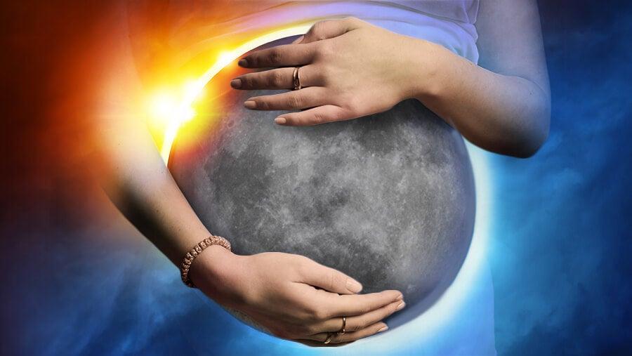 ¿Influyen los eclipses en el embarazo?