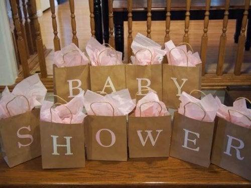 Preparar un baby shower requiere de organización y esfuerzo.