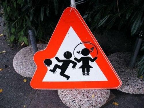 Prepara a tus hijos para enfrentar peligros potenciales