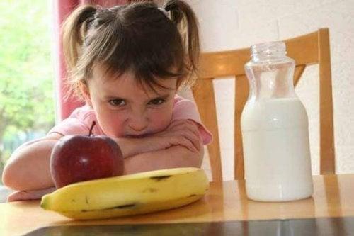 Niños caprichosos con la comida, ¿cómo actuar?