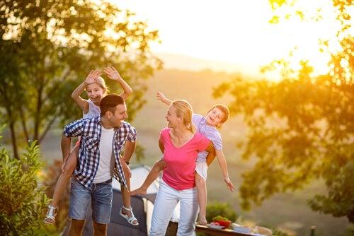 Las actividades al aire libre siempre fortalecen los lazos familiares.