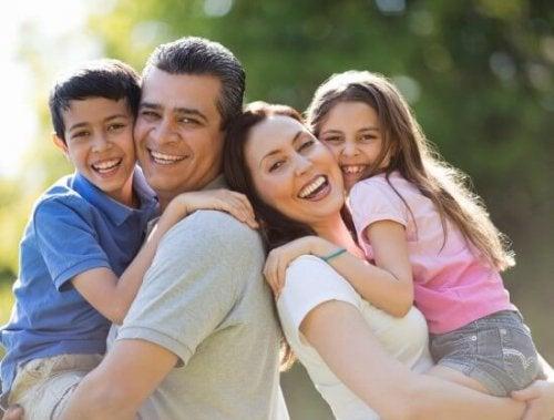 familia-emocionalmente-sana-e1450474697783