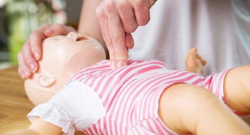¿Cómo reanimar a un bebé?