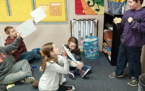 Los niños aprenden mejor con música