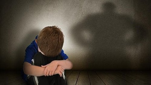 ¿Cómo actúan los padres tóxicos?