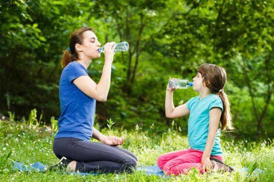 Pediatras alertan sobre la deshidratación