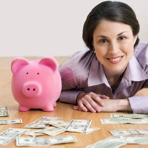 ¿Es la maternidad un obstáculo financiero?