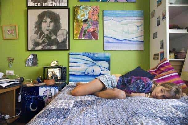 Qué hacer cuando el adolescente se encierra en su habitación