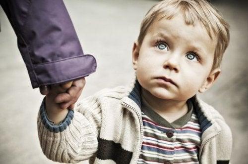Si lo que tienes que decir a tu hijo no es bello, no lo digas