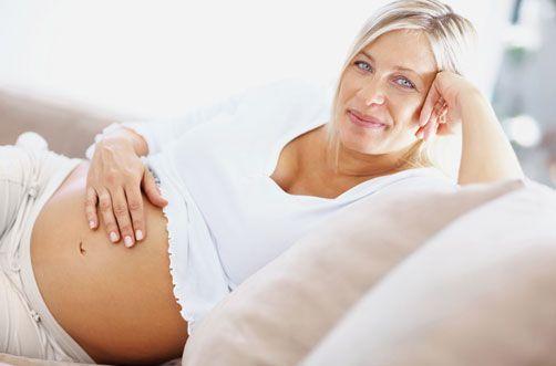 ¿Cuáles son las causas reales de la maternidad tardía?