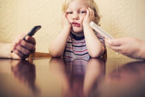 ¿Quiénes son los huérfanos digitales?