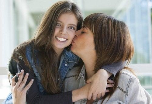 Cómo crear una buena relación con tu hijo adolescente