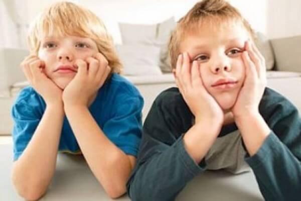 ¿Cómo hacer que mi hijo no se aburra en casa?