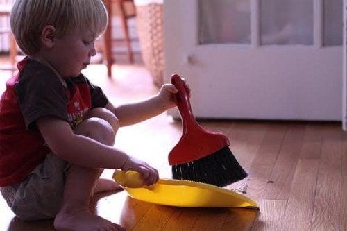 Por qué es importante que la familia colabore en el hogar