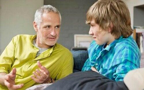 padre e hijo adolescente