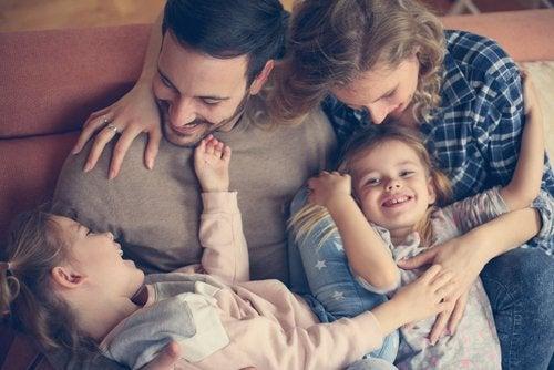 La importancia de los abrazos en la familia