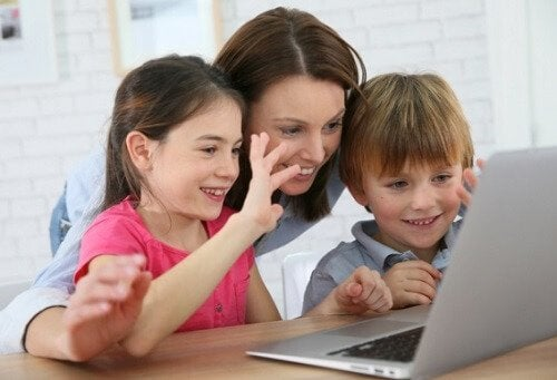 Si tu hijo quiere irse a estudiar a otra ciudad, debes amigarte con el uso de la tecnología.