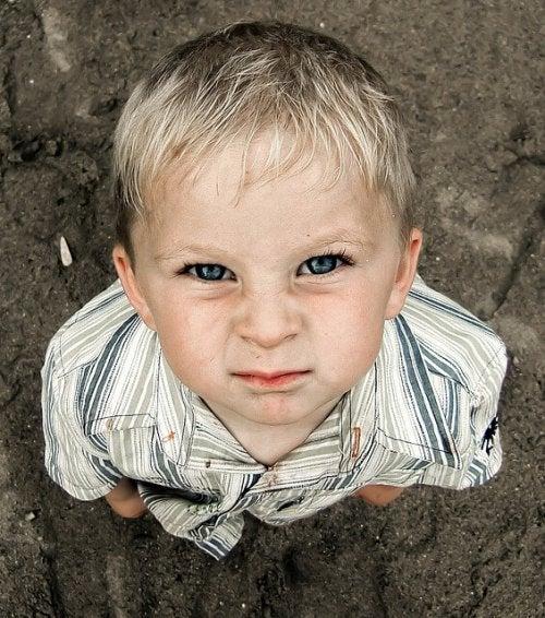 ¿Cómo actuar cuando mi hijo me desafía?
