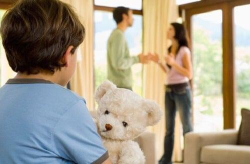 Los conflictos entre entre padres afectan a la educación de los hijos.