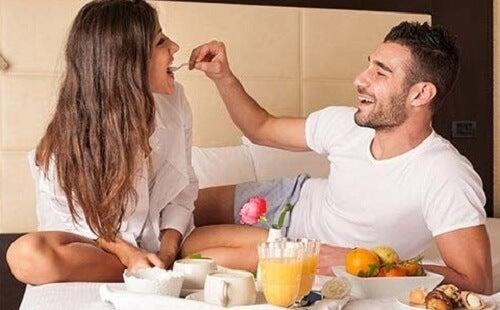 desayunar en pareja