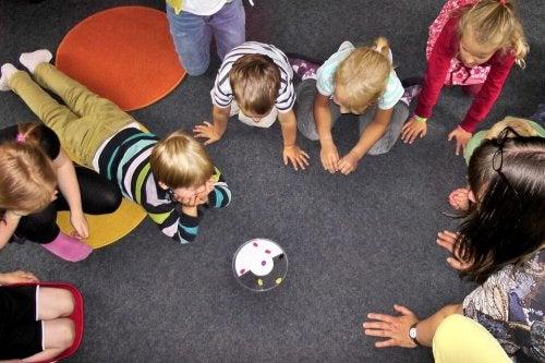kindergarten-504672_960_720