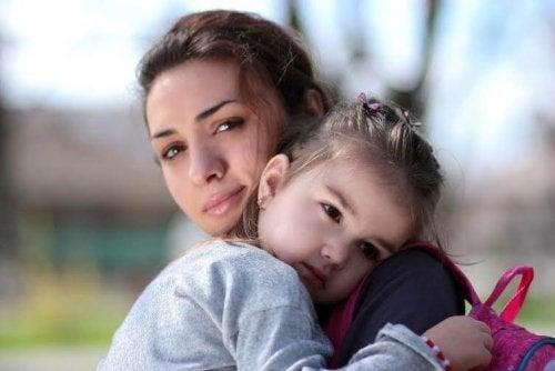 Cómo ayudar a mi pequeño a superar la ausencia de su padre