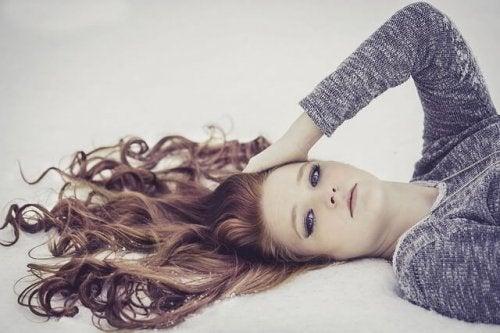 redhead-1123647_640