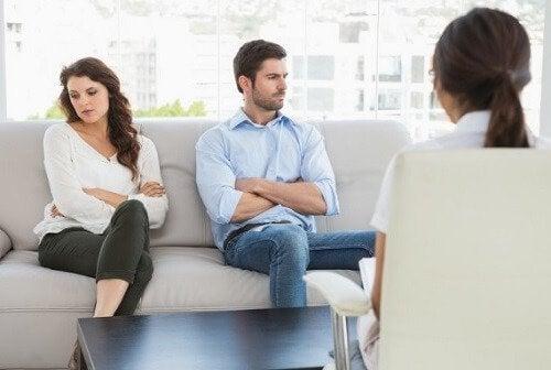 Matrimonio en terapia de pareja