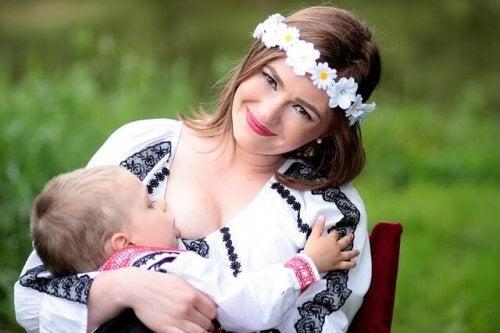 breastfeeding-1350738_640