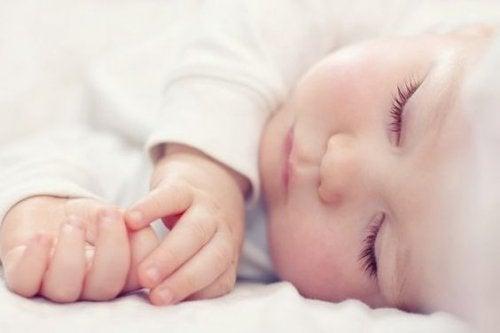 Un buen sueño es sinónimo de buena salud en el bebé