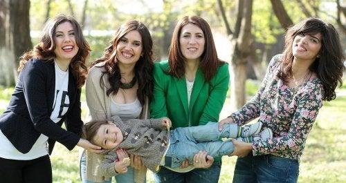Mujeres en un grupo de madres