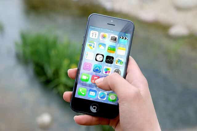 El primer teléfono de tu hijo, ¿qué debes saber?