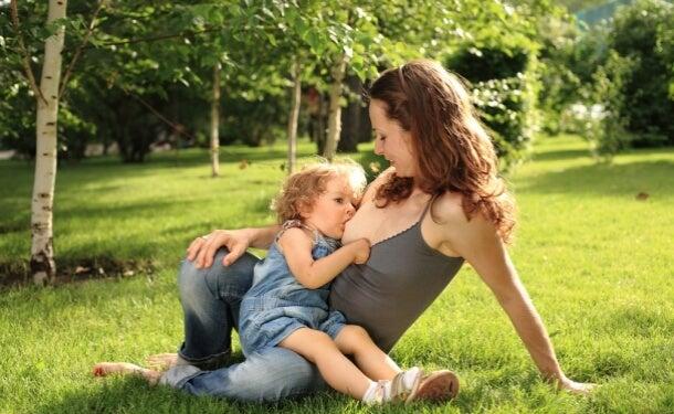 mirar al bebé