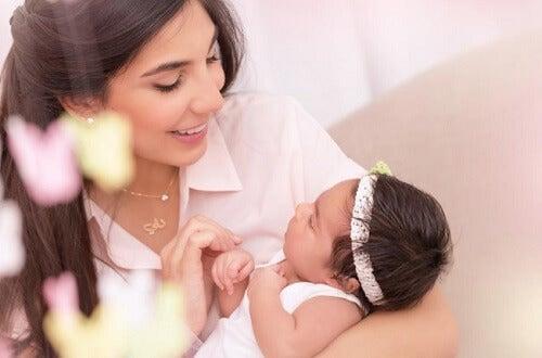 3 preguntas comunes en la primera semana de vida de tu bebé