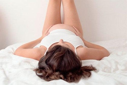 L'herpès gestationis est une des maladies de la peau qui peuvent causer des démangeaisons pendant la grossesse.