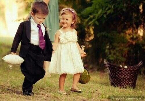 Novio y novia infantiles