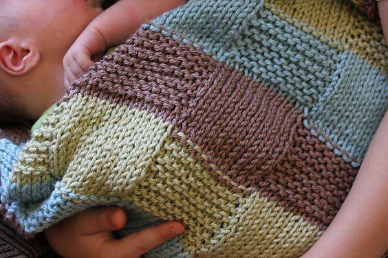 Cubrir con mantas el cochecito del bebe puede ser arriesgado