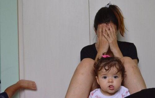 seno-stanco-con-bambini