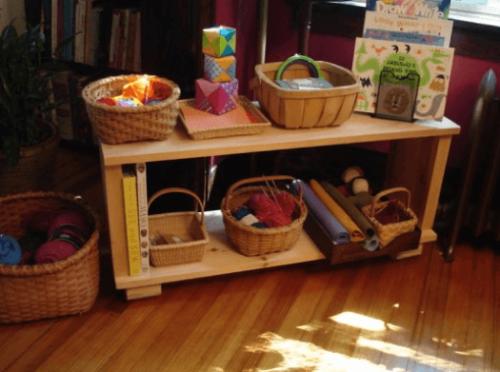 El método Montessori también puede aplicarse en casa para darle orden a la habitación de un niño.