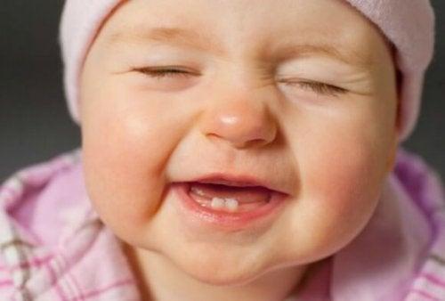 El cepillado en los dientes de leche