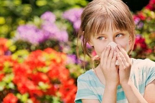 ¿Cómo evitar la rinitis alérgica en los niños?