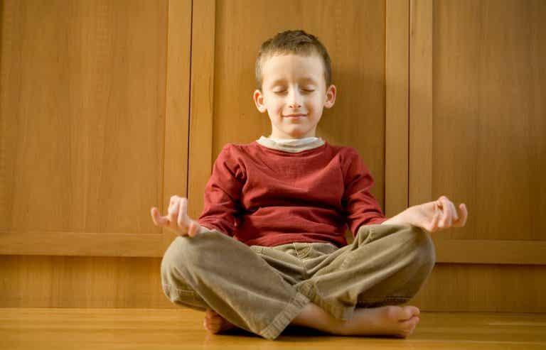 La escuela donde hay más meditación y menos castigos