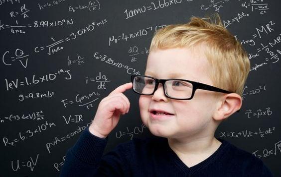 Cómo educó Albert Einstein a su hijo